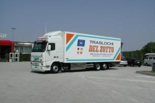 Automezzo traslochi Udine